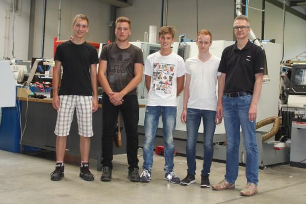 Ausbildungsstart für drei Auszubildende und einen Umschüler bei der BOHLENDER GmbH